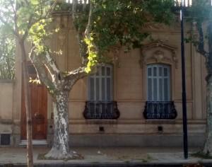 Frente de la casa, de la av. Villarino 264, donde fue velado Don Juan Duarte.