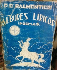 """El volumen poético """"Albores Líricos"""", de 1930."""