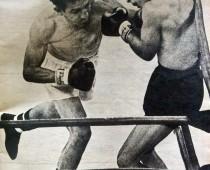 Combate entre Accavallo y Takayama.