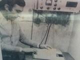 Luis D. Borré, con la teletipo de la radio (Año 1976)