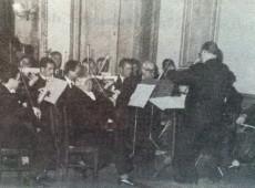 La Orquesta de Cámara, de Chivilcoy, creada y dirigida por el Prof. Pascual Grísolia( Década de 1960)