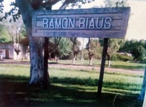 Letrero que identifica a Ramón Biaus.