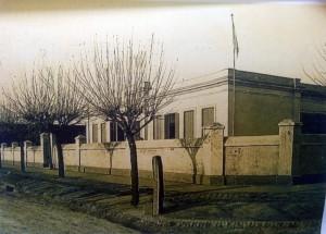 Estampa de la Escuela primaria Nº5, inaugurada el 1 de marzo de 1879.