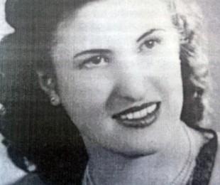 Adelina E. Dematti,foto juvenil.
