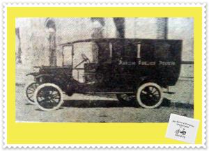 Ambulancia Policial, con motor y carrocería