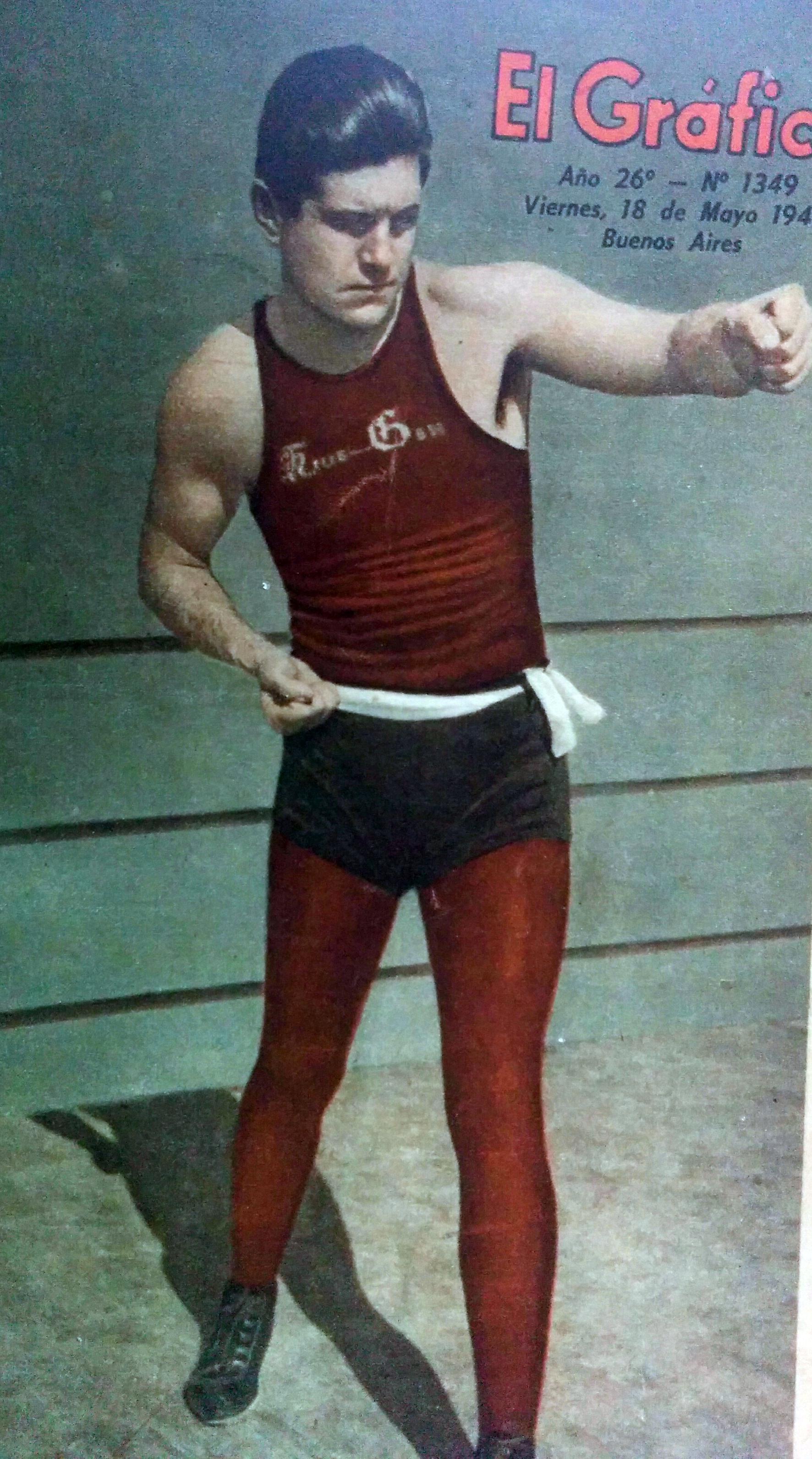 El gran boxeador argentino, Luis Ángel Firpo, cuyo pupilo, Abel Cestac, combatió en 1941, en el ring del club Paso.