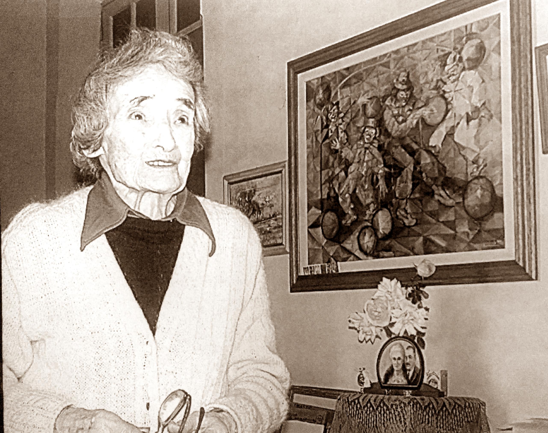 La Profesora Leontina Poch Grondona, toda una gloria de la artes plásticas y la cultura de Chivilcoy. Nacida en 1911, falleció, ya nonagenaria, en el año 2010.