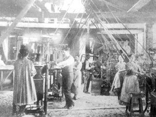 Trabajo fabril, en los primeros años del siglo XX.