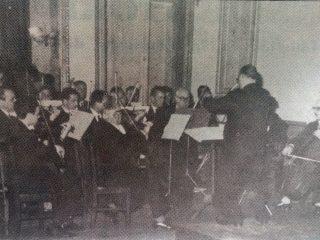 La Orquesta de Cámara, en el Salón del Palacio Municipal.