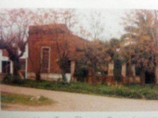 Casa paterna, del poeta y escritor, Ernesto Domingo Marrone, demolida en 1998.