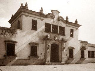 Estampa fotográfica del Colegio Nacional, ubicado en la avenida Calixto Calderón Nº 25