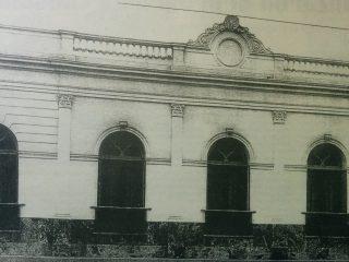 Fachada del Club Social, en 1909.