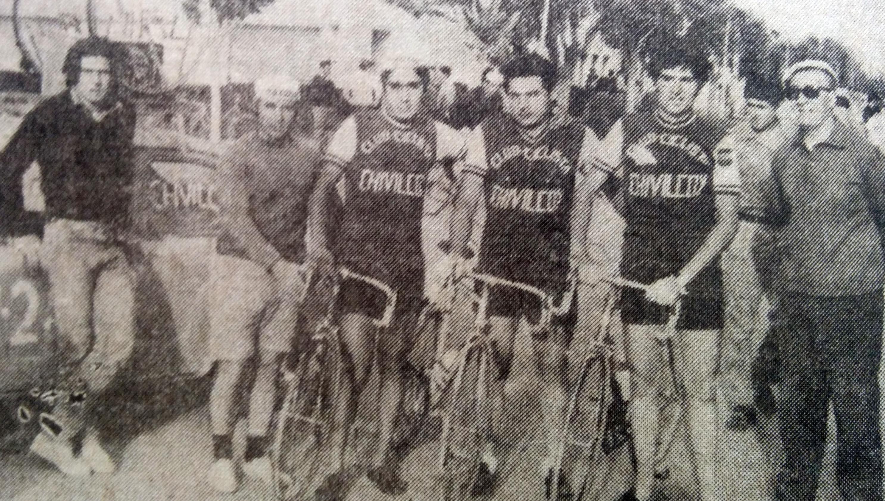 Delegación del Club Ciclista Chivilcoy, en Allen (Provincia de Río Negro), en 1971.