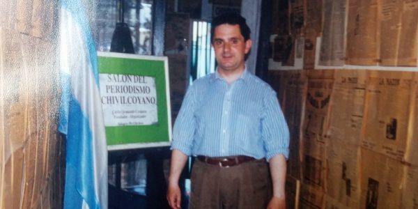 Carlos Armando Costanzo, en el Salón del Periodismo Chivilcoyano, en el año 2001.