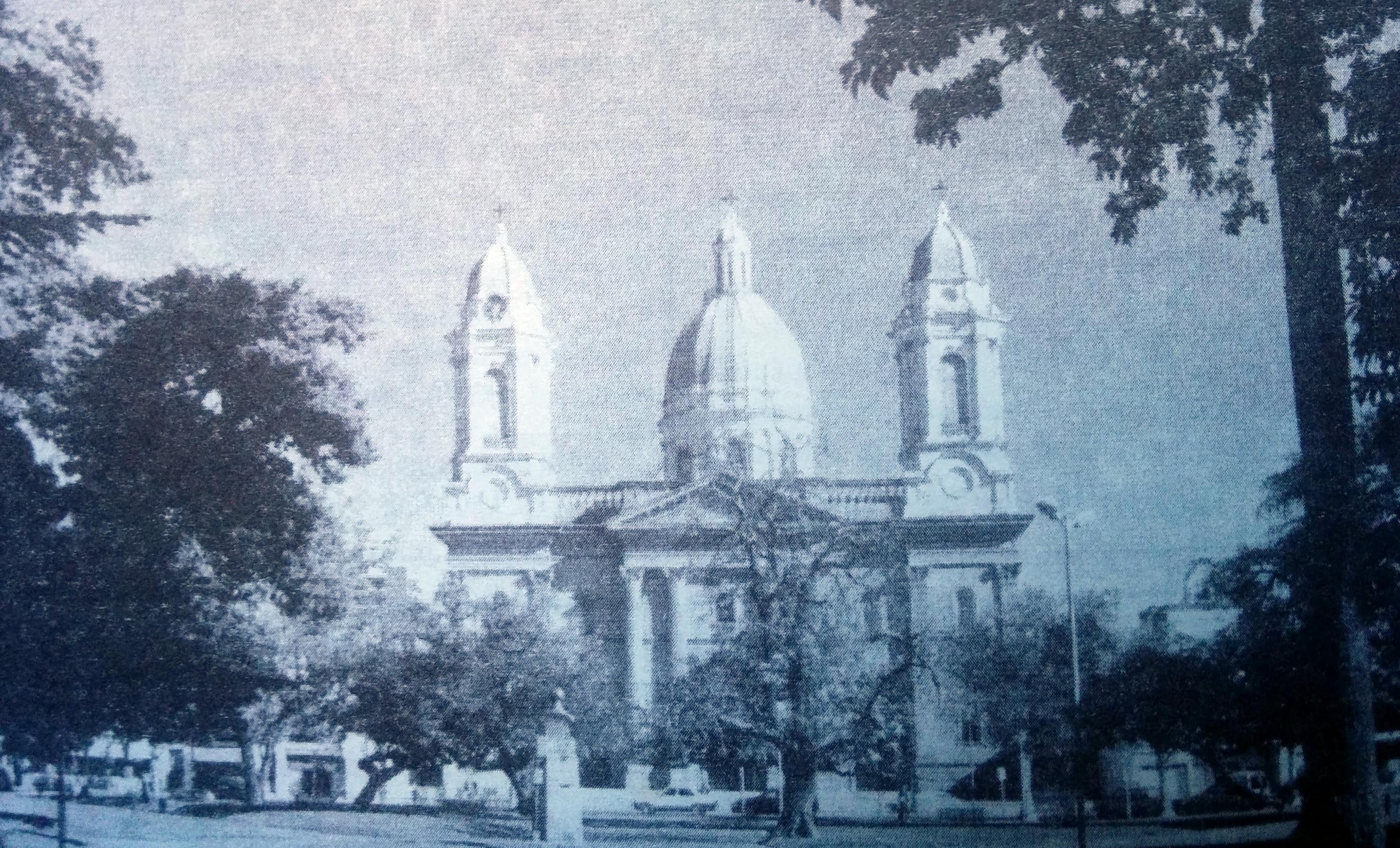 Templo mayor de Nuestra Señora de Rosario, donde descansan, desde el 21 de julio de 2001, los restos de Monseñor Dr. Vicente Oscar Vetrano.