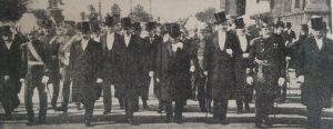 La celebración del 9 de Julio de 1916, en Buenos Aires, encabezada por el entonces presidente de la Nación Dr. Victorino de la Plaza, y miembros de su gabinete ministerial.