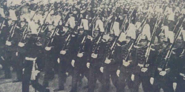 Desfile militar, del 9 de julio de 1916.