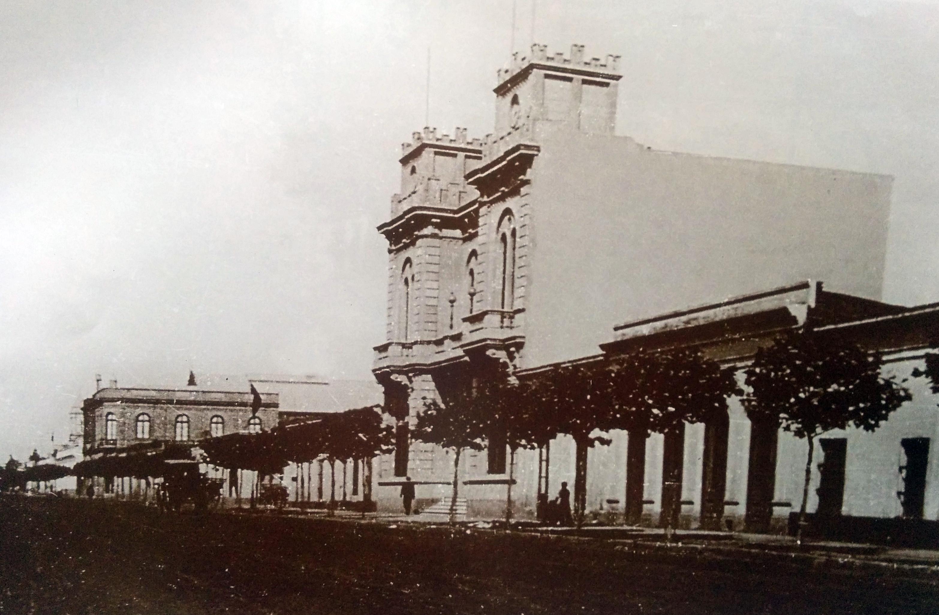 """Sede Institucional de la Asociación """"Italia"""", inaugurada el 6 de julio de 1902-"""