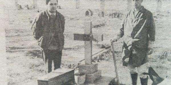 Exhumación de los restos del poeta Rodolfo López (Mayo de 1997).
