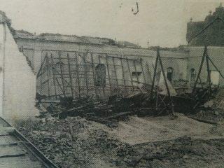 Derrumbe de la vieja y querida Capilla del Carmen, el 16 de octubre de 1945.