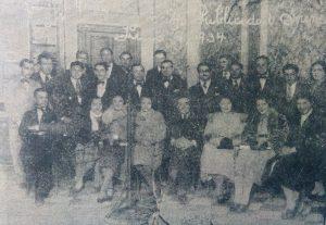 """Inauguración de la difusora local, Publicidad """"Sirena"""", el 9 de julio de 1934, con la presencia de Don José Tito Ranni, distintos intérpretes musicales, y público en general."""