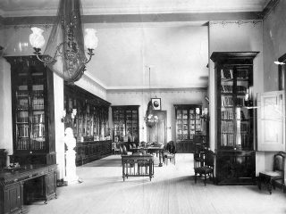 Vista interior, de la antigua sede de la Biblioteca Popular, en la calle General Frías Nº 38.