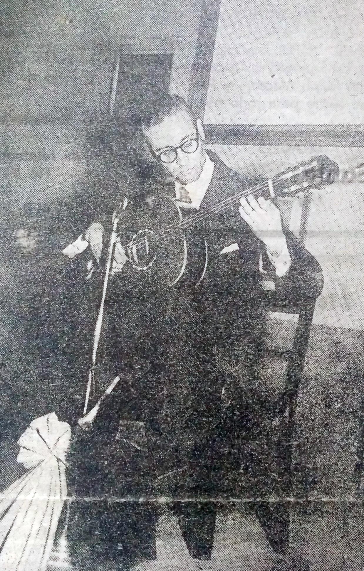 Profesor Alfredo Palomeque (1913-2001), concertista de guitarra, compositor y docente chivilcoyano.