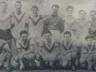 Equipo de fútbol, del club 22 de octubre, en la década de1950.