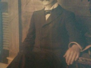 El poeta Carlos Ortíz (1870-1910), primo hermano de Leopoldo Díaz.