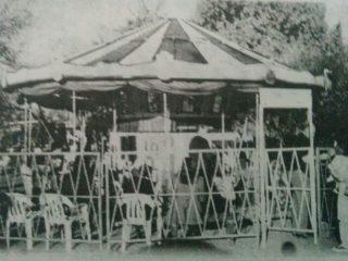 La clásica calesita de la familia Mariela, todo un símbolo de la diversión infantil chivilcoyana.