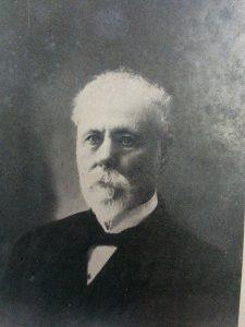 """El periodista y escritor, Luis Alberto Mohr (1844-1929). La citada fotografía, extraída del libro """"Mis setenta años"""", constituye una gentileza del Concejal Municipal, Dr. Guillermo Rodolfo Pinotti."""
