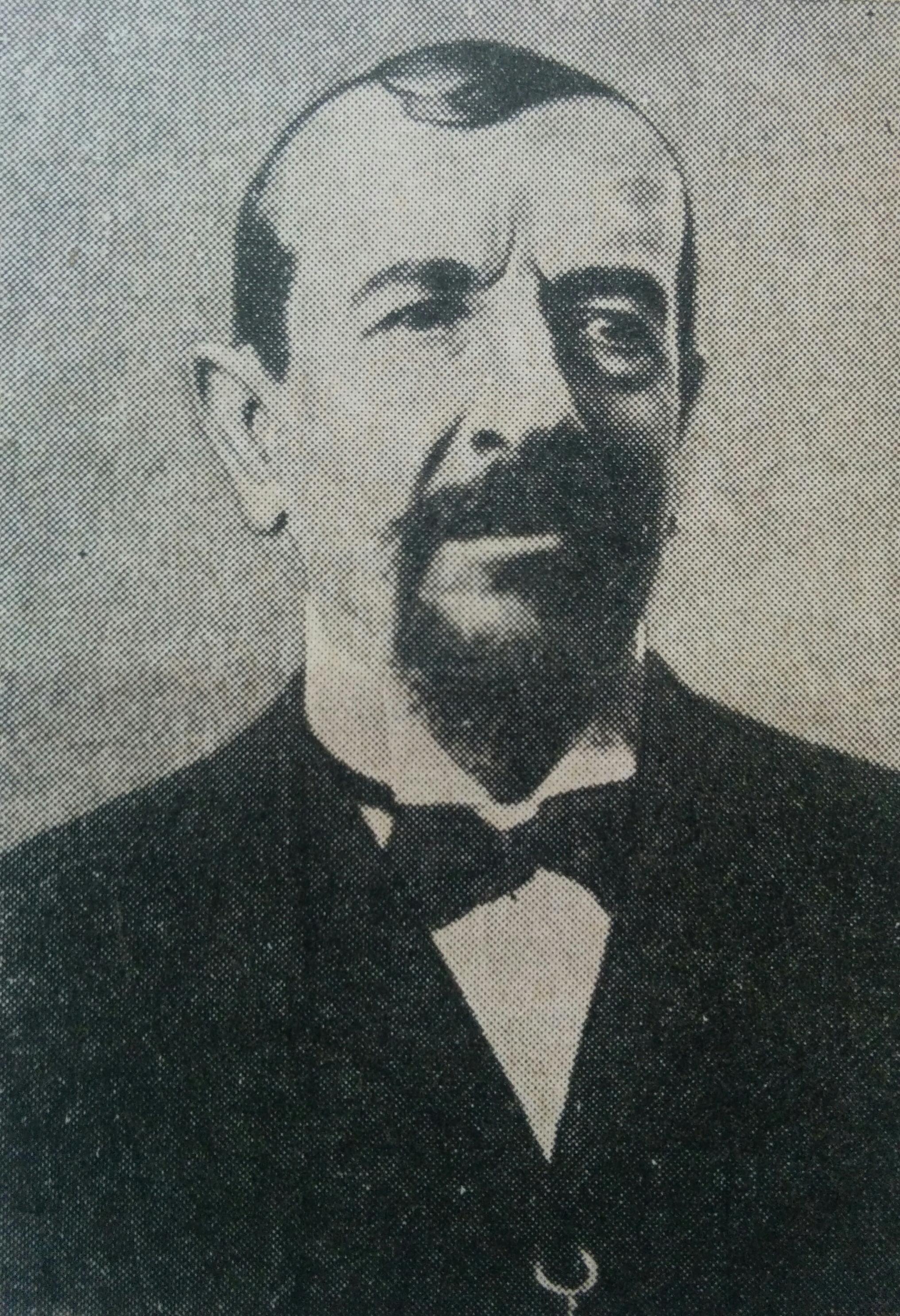 El médico pediatra y poeta, Dr. Ricardo Gutiérrez (1836-1896). Lleva su ilustre nombre, el Jardín de Infantes Nº 902, creado el 28 de agosto de 1950.