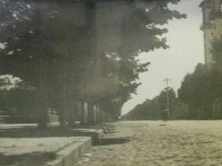 Imagen de la avenida, Dr. Pedro J. Uslenghi, hoy, Calixto Calderón, afines de la década de 1930.