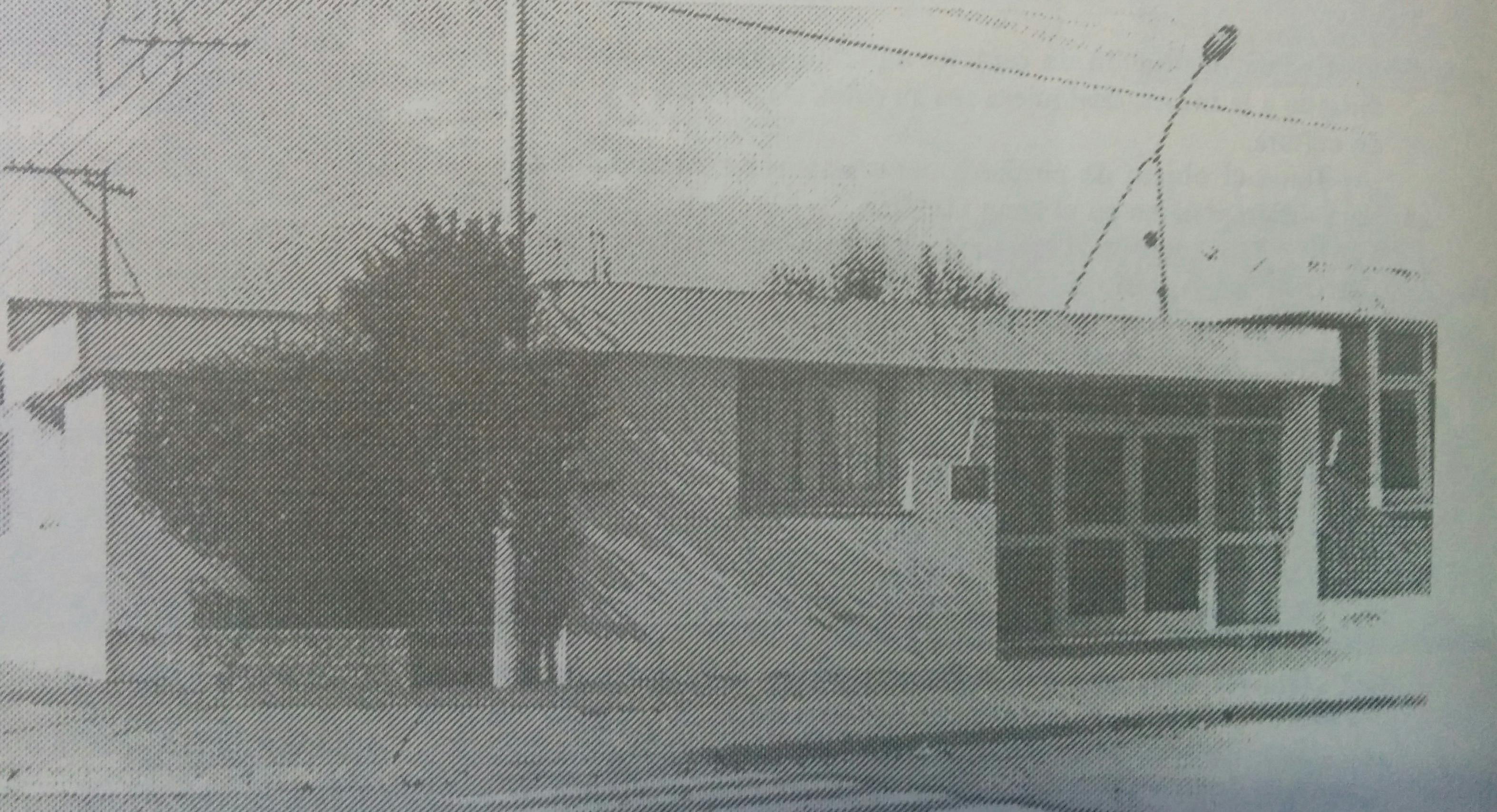 """La Escuela de Educación Media Nº 1 """"Bernardino Rivadavia"""", de la localidad de Moquehuá , creada el 15 de junio de 1961. El Dr. Hugo Osvaldo Bianchi, fue uno de sus fundadores y activos propulsores, y también, docente de dicho establecimiento educacional."""