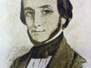 El Dr. Juan Bautista Alberdi (1810-1884), artífice y padre espiritual, de nuestra Constitución Nacional, sancionada, el 1 de mayo de 1853. El Dr. Arturo García Sanabria, fundó en 1958, una institución, con el nombre de este gran jurisconsulto, escritor y hombre público argentino.