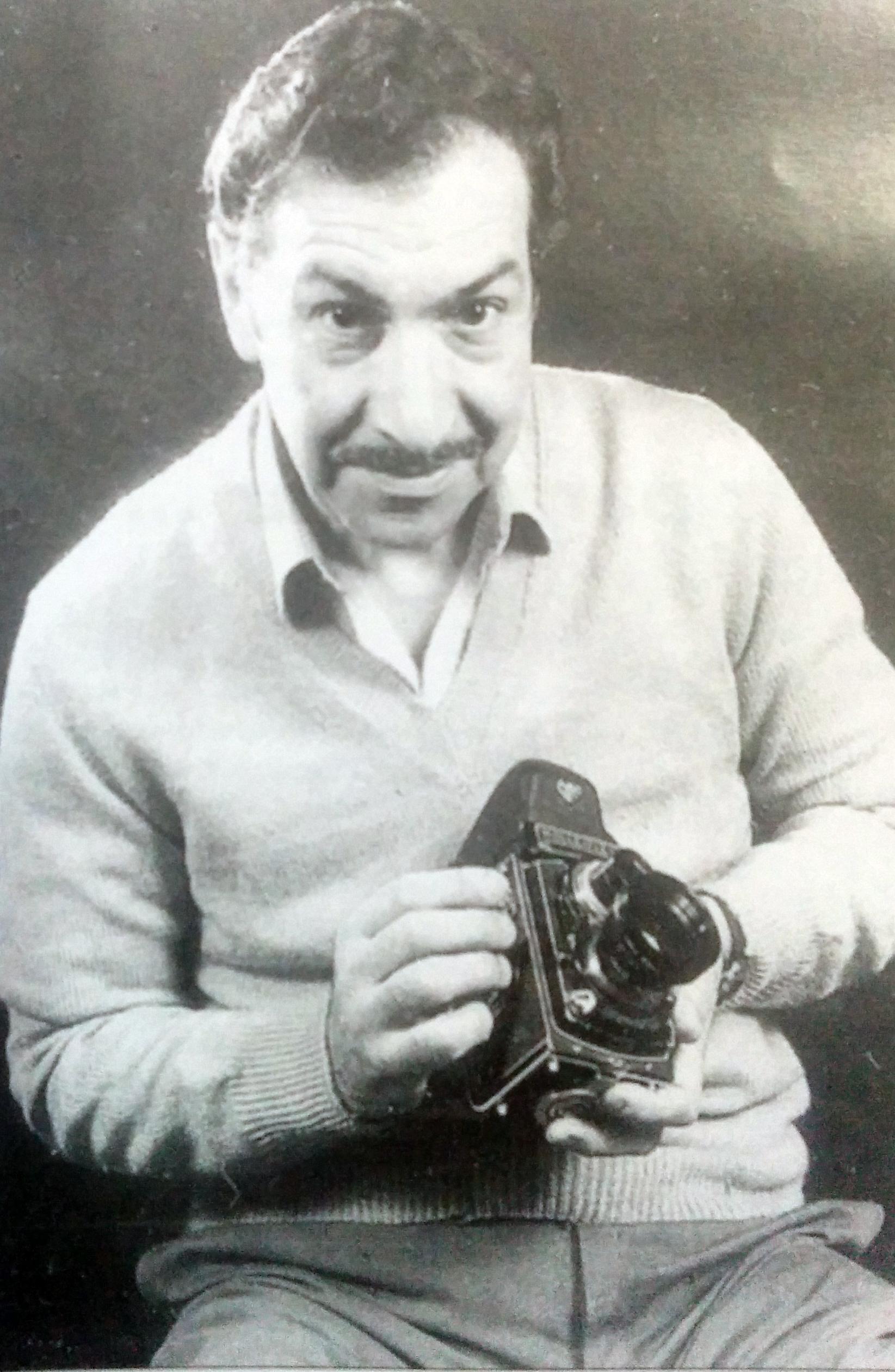 El fotógrafo músico, y hombre de la cultura chivilcoyana, Rubén Osvaldo Lago (1927-2016).