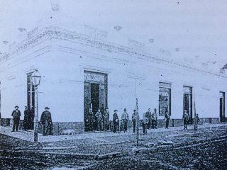 La vieja Casa comercial de Don Gregorio Villafañe, almacén de Ramos Generales- el primero que tuvo Chivilcoy-, fundado el 3 febrero de 1863.
