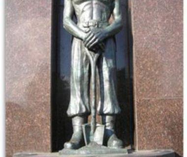 monumento-a-los-fundadores-de-chivilcoy