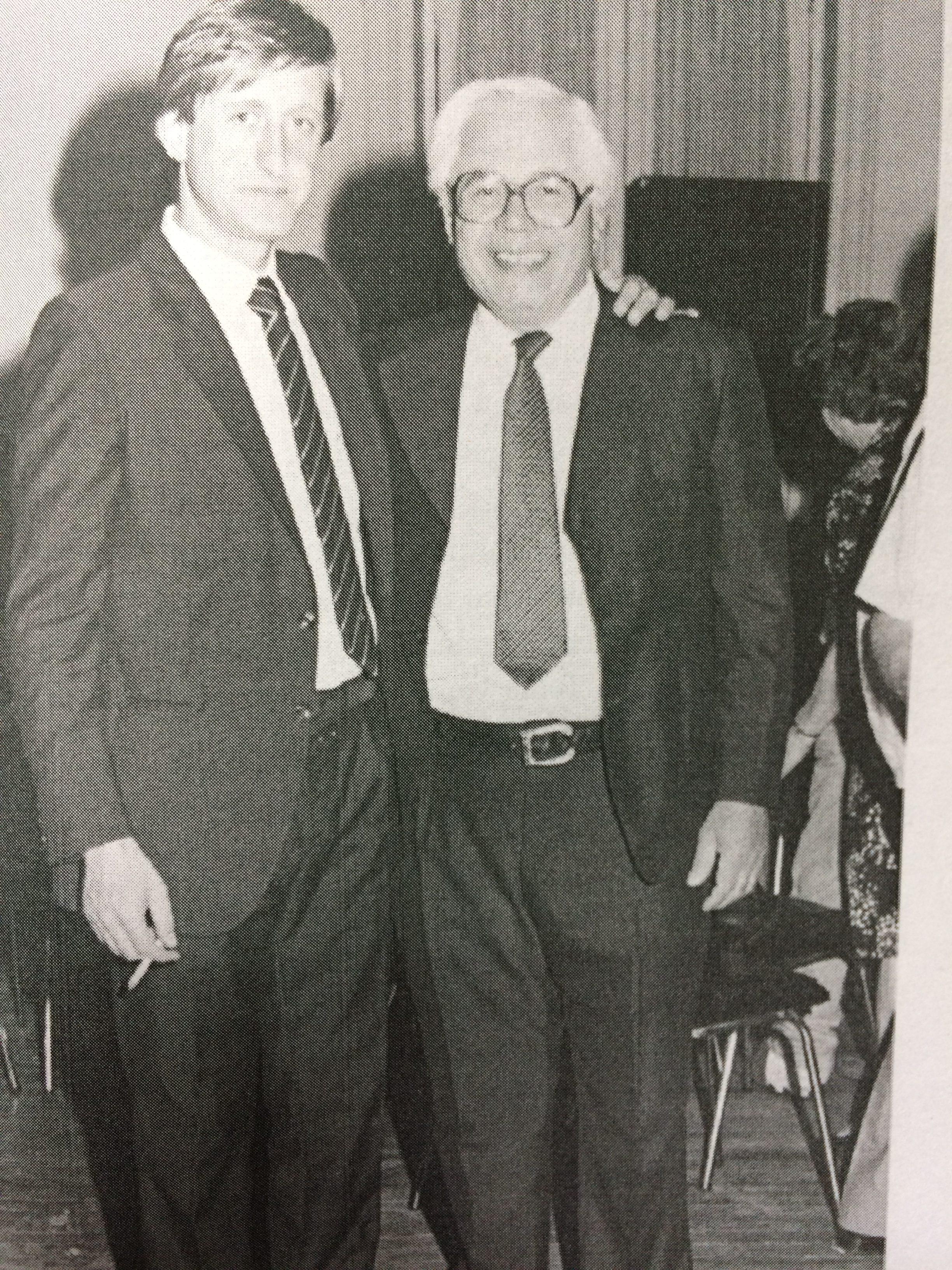 Edgar Ángel Frígoli, junto al Dr. Jorge Adalberto Juancorena, ex intendente municipal de Chivilcoy, entre 1987 y 1995.