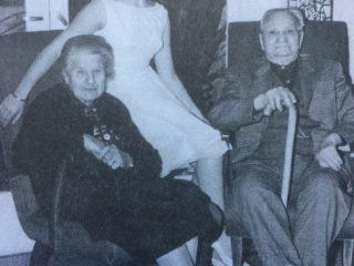 El maestro, Don Pedro Nicolás San Mauro, junto a otros miembros de su familia, en la década de 1960.