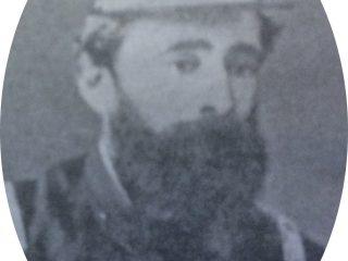 Don Carlos Ceballos con uniforme militar.