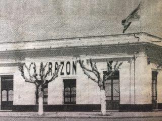 Vieja sede del matutino «La Razón», ubicada en la tradicional esquina, de la avenida Ceballos y la calle Suipacha. Allí, funcionó el diario, desde sus comienzos, el 16 de noviembre de 1910, hasta mediados del mes de septiembre, de 1993.