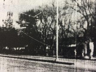 Imagen de la plaza «Martín Fierro», inaugurada el 28 de enero de 1967. Se construyó, gracias a la importante labor, del Club de Leones, de nuestra ciudad.