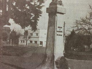 Plaza Manuel Belgrano. Busto del prócer, inaugurado en 1919.