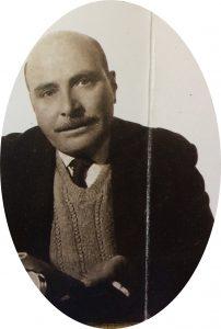 """El notable y prestigioso pintor, grabador y ceramista chivilcoyano, Don José Antonio Speranza (1909-1987), fundador y ex director del Museo Municipal de Artes Plásticas """"Pompeo Boggio"""", inaugurado el 2 de octubre de 1946. El 17 de septiembre de 2012, se le impuso su nombre a la Escuela de Educación Estética, fundada el 2 de noviembre de 1989, e inaugurada el 3 de septiembre de 1990."""