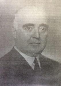 El caracterizado y prestigioso dirigente político y hombre público chivilcoyano, Dr. Alejandro Osvaldo Suárez, ex senador provincial, e intendente municipal de nuestra ciudad, entre los años 1920 y 1922. Había nacido, el 30 de octubre de 1892, y falleció a los 51 años de edad, el 6 de noviembre de 1943.