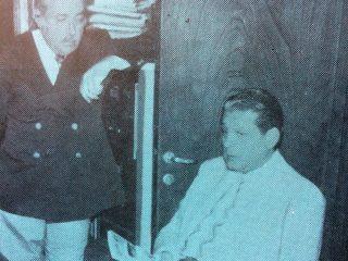 El Dr. René Favaloro, en su primera visita a Chivilcoy, el 15 de octubre de 1977, concurriendo al domicilio, de su paciente y amigo, el Dr. Héctor Camilo Massolo.