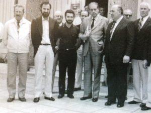 El Dr. Favaloro, visitando el Hospital Municipal de Chivilcoy, el sábado 29 de noviembre de 1986.