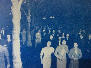 Fotografías, de nuestra ciudad de Chivilcoy, publicadas en las páginas de la revista porteña «Caras y Caretas», el 24 de noviembre de 1934. Un mes más tarde, se produciría la gigantesca y memorable tormenta, que asoló esta zona, el día de Navidad, martes 25 de diciembre de 1934.