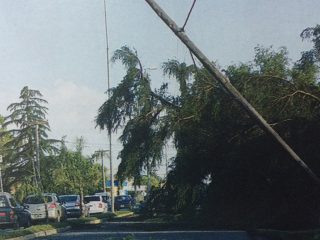 El gran temporal -tres tornados juntos-, que castigó severamente a Chivilcoy, el lunes 2 de diciembre de 2013.